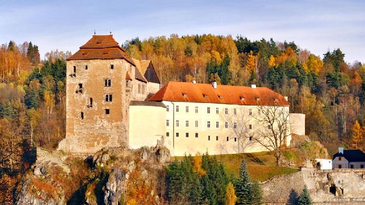 Замок Бечов в Карловых Варах