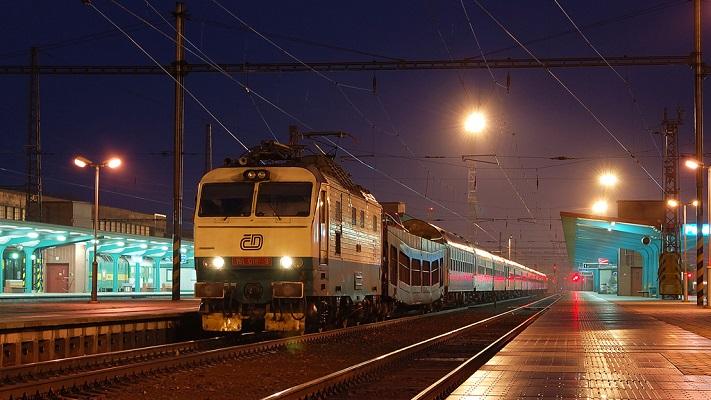 Из Пардубице в Прагу на поезде