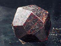 Магические свойства камня гранат
