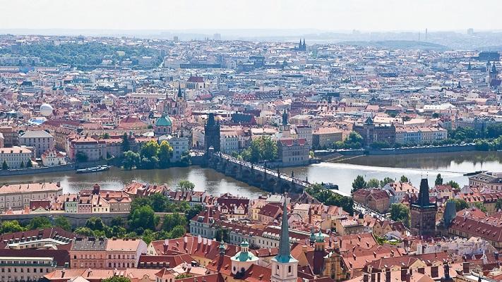Вид с башни собора святого Вита