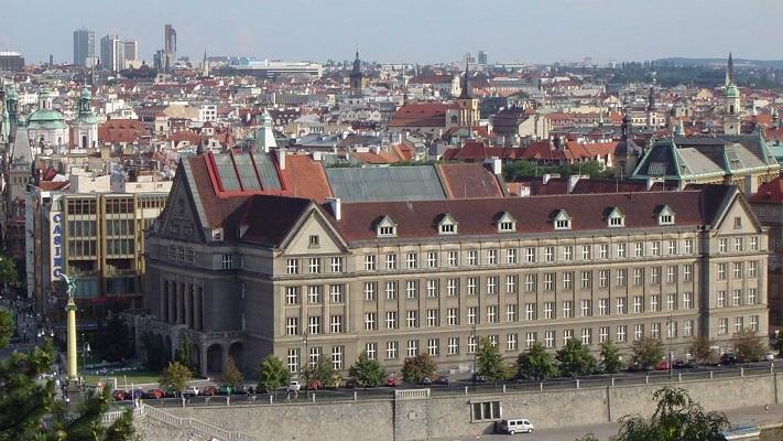 Карлов университет - лучший в Праге