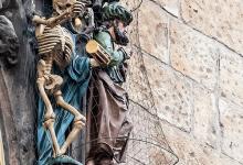 Фигуры на часах в Праге