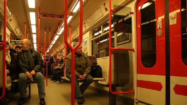 Вагон метро в Праге