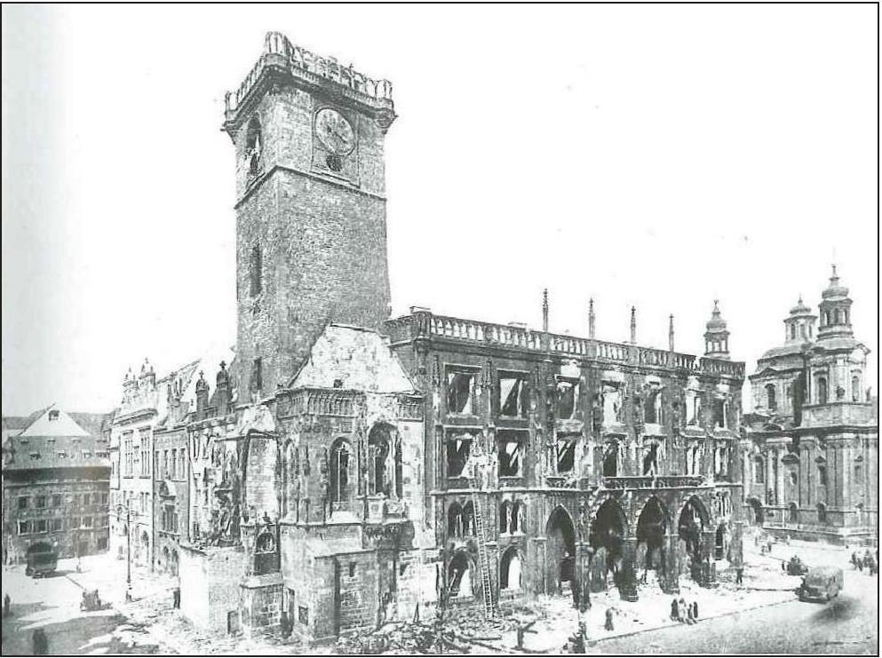 Староместская ратуша после пожара