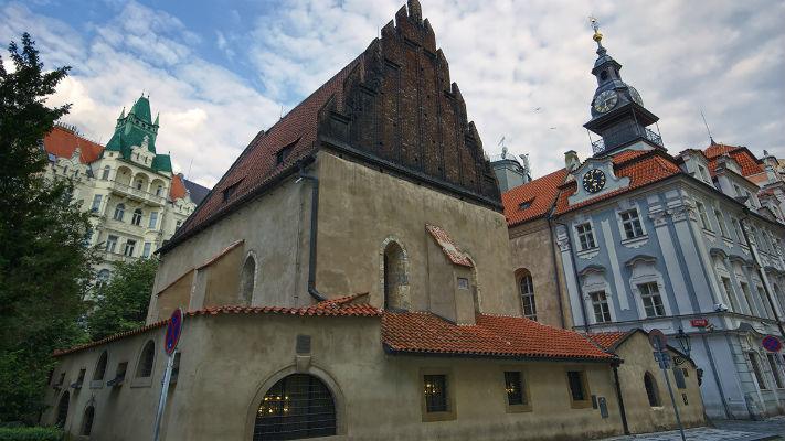 Староновая синагога в Праге фото