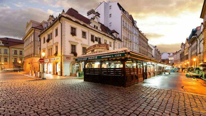 Гавельский рынок в Праге фото